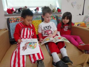 badger-kids-reading
